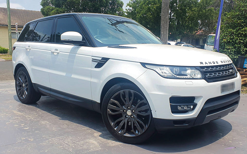 Range-Rover-Sport-Wheels-repair-gutter-rash-Spray-Paint-cstom-gunmetal-grey