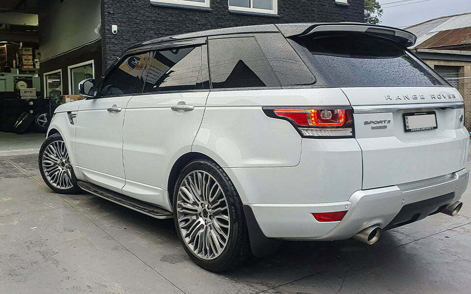 Range Rover Sport 22 inch wheels and tyres package